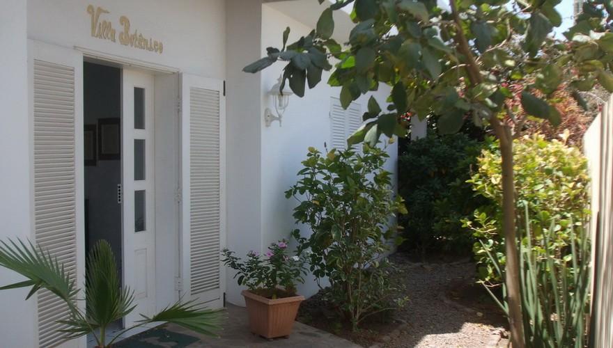 03_Eingang Villa Botanico