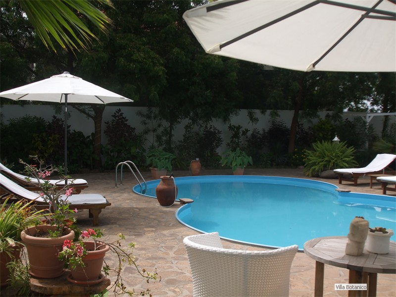 08_Blick zum Pool
